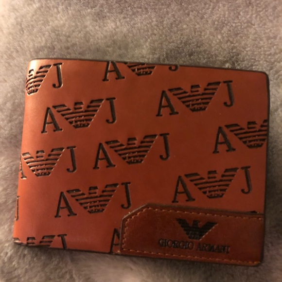 3c61dd1d Men's Armani Tri Fold Wallet never used.